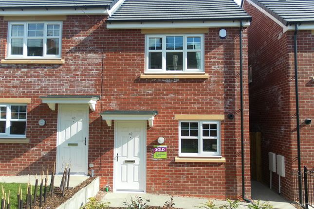 Thumbnail Semi-detached house to rent in East Terrace, Stoke-On-Trent ST6, Stoke-On-Trent,