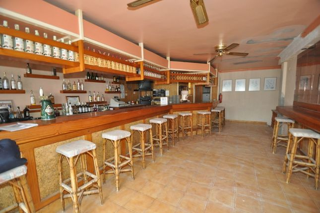 Thumbnail Pub/bar for sale in Port Des Torrent, Ibiza, Balearic Islands, Spain