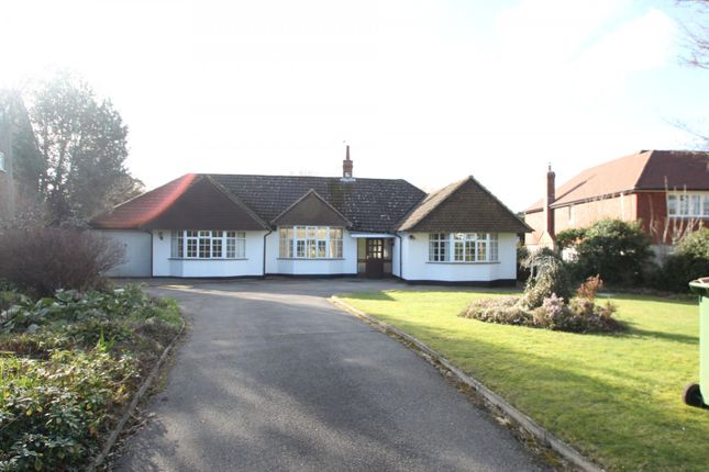 Thumbnail Bungalow to rent in Eastwick Drive, Bookham, Leatherhead