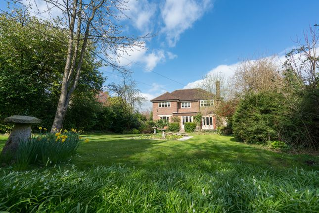 Thumbnail Detached house for sale in Meadway, Berkhamsted