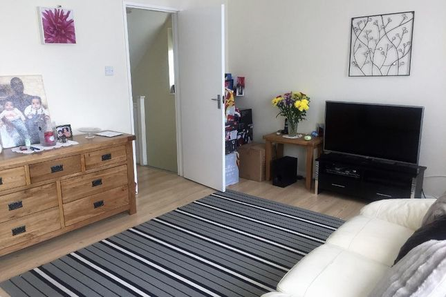 Maisonette for sale in St Helens Crescent, Norbury, London