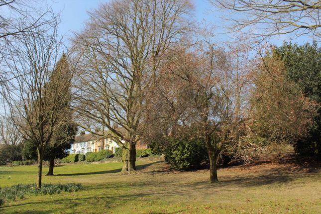 Picture No. 06 of The Warren, Aldershot, Hampshire GU11