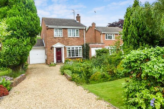 Thumbnail Detached house for sale in Mowbray Drive, Linslade, Leighton Buzzard