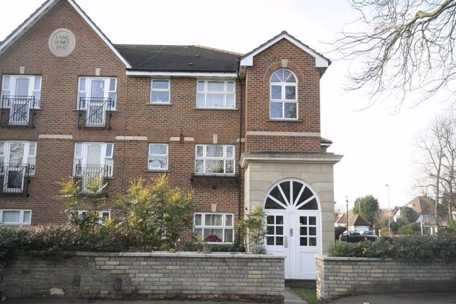 2 bed flat to rent in Mardale Court, Page Street, Mill Hill