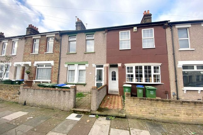 Thumbnail Terraced house to rent in Hurst Road, Erith