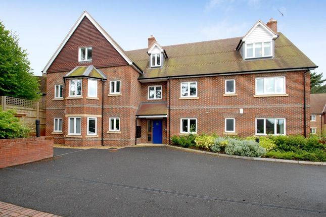 Thumbnail Flat to rent in Dean Court Road, Oxford