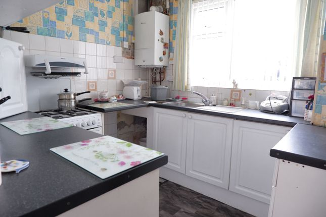 Kitchen of Billing Avenue, Manchester M12