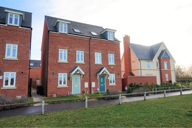 4 Bed Semi Detached House For Sale In Trinity Way Papworth Everard