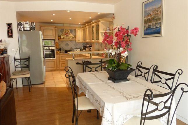 2 bed apartment for sale in Provence-Alpes-Côte D'azur, Alpes-Maritimes, Villefranche Sur Mer