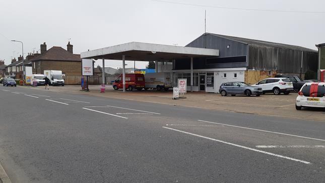 Thumbnail Retail premises to let in Tavern Garage, The Causeway, Heybridge, Maldon