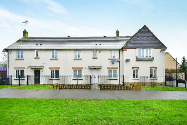 Thumbnail Terraced house for sale in Carp Road, Calne