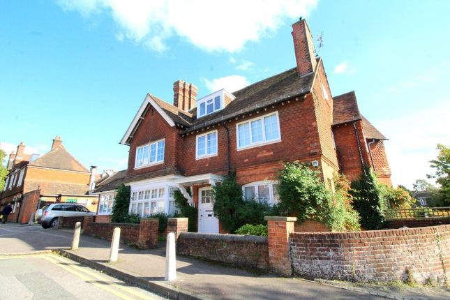 Thumbnail Flat to rent in Rockdale Road, Sevenoaks