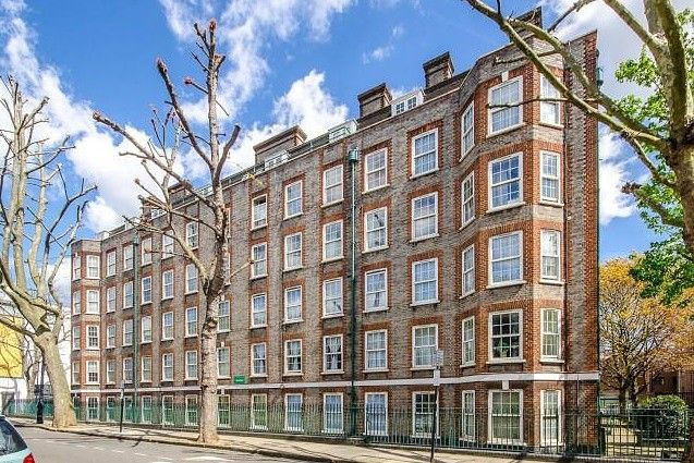 3 bed flat to rent in Cobden House, Arlington Road
