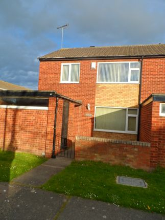 3 bed semi-detached house to rent in Aled Avenue, Rhyl LL18