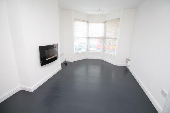 Studio to rent in Station Street, Swinton, Mexborough S64
