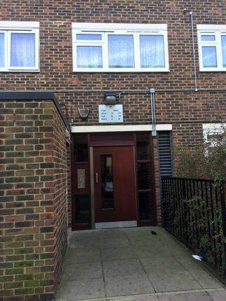 3 bed flat to rent in Ashbridge Street, London