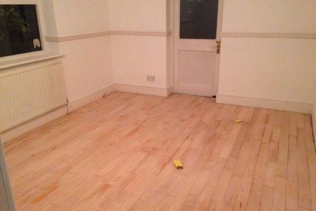 1 bed town house to rent in Hackney Road, Bethnal Green