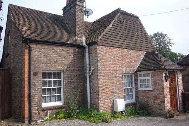 Thumbnail Cottage to rent in Hempstead Road, Uckfield