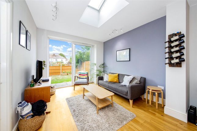 Thumbnail Flat for sale in Bellingham Road, Catford
