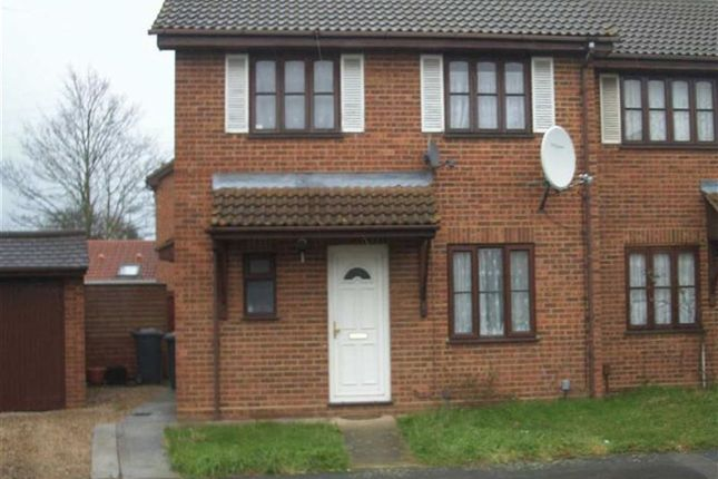 Thumbnail Flat to rent in Whitehaven, Slough, Berkshire
