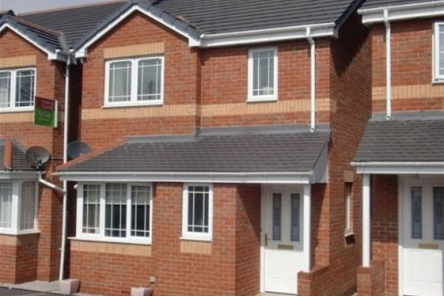 Thumbnail Property to rent in Mold Road, Connah's Quay, Deeside