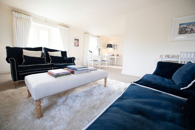 Thumbnail Flat for sale in 21 The Grange, Gallagher Square, Warwick