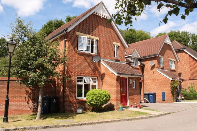 Foxwood Close, Wormley GU8