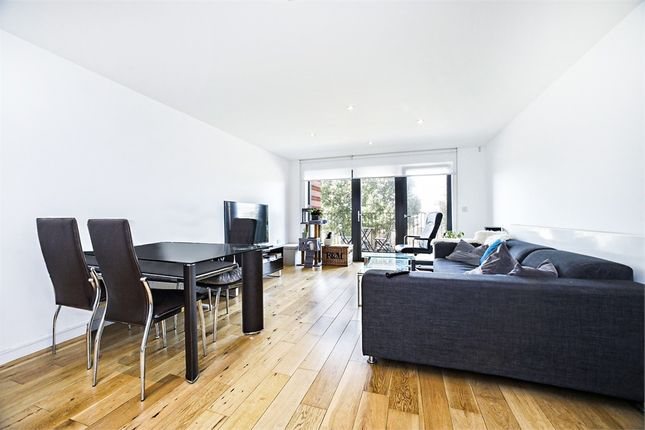 2 bed flat to rent in Monpelier Building, 94 Akerman Road, Oval SW9