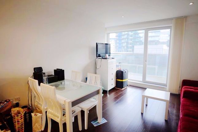 2 bed flat to rent in Baltimore Wharf, London