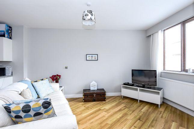 Thumbnail Flat to rent in Glenfall Street, Cheltenham
