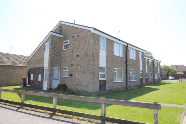 2 bed flat to rent in Poplar Court, Sutton-On-Hull, Hull HU7