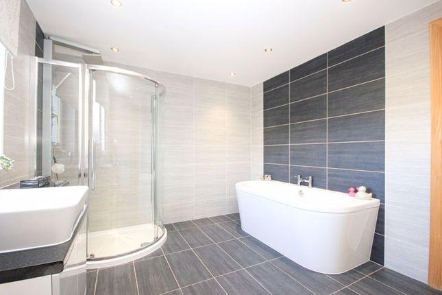 Family Bathroom of Edinburgh Road, Bathgate EH48