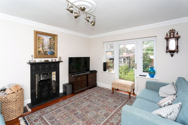 Picture No. 01 of Hyde Lane, Nash Mills, Hemel Hempstead HP3