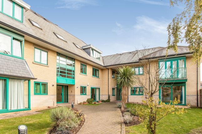 Thumbnail Flat for sale in Woodhead Drive, Cambridge, Cambridgeshire
