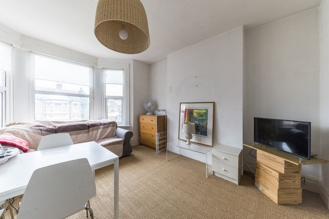 Thumbnail Flat to rent in Ridley Road, Kensal Green