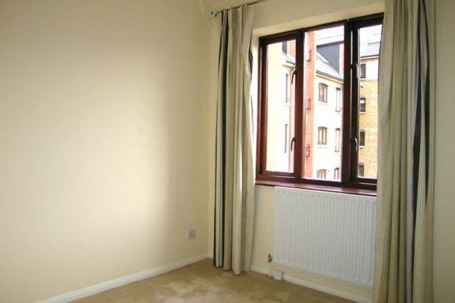 Bedroom 2 of Wellington Terrace, Wapping E1W