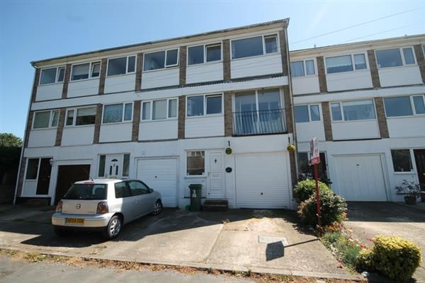 Thumbnail Property for sale in Sundale Close, Holland-On-Sea, Clacton-On-Sea