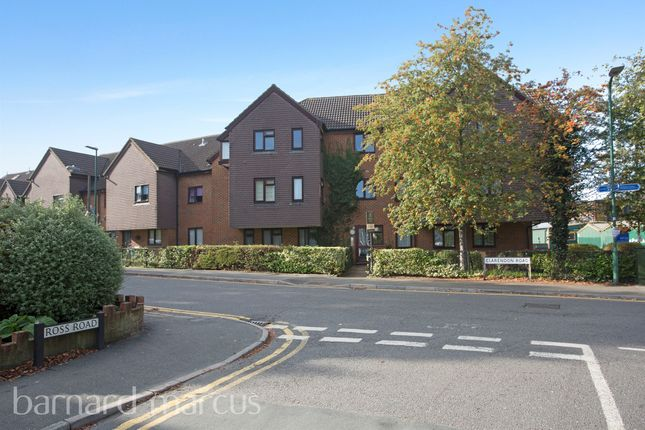 Thumbnail Flat for sale in Clarendon Road, Wallington
