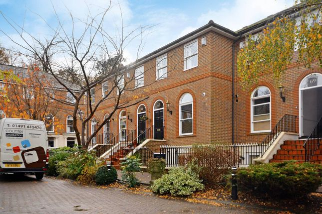 Thumbnail Flat to rent in King George Square, Richmond