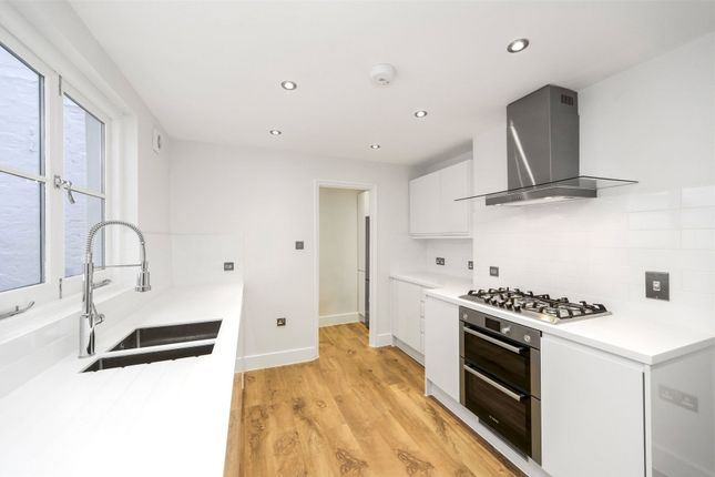 Thumbnail Terraced house to rent in King William Walk, Greenwich, London