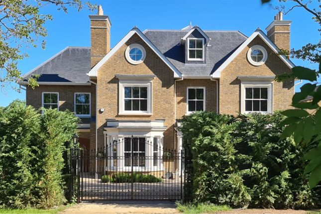 Thumbnail Detached house for sale in Rowley Green Road, Barnet