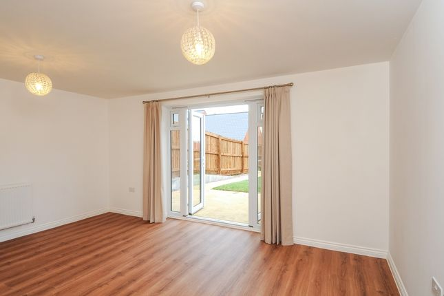 Thumbnail Terraced house to rent in Poppyfields Way, Brackley