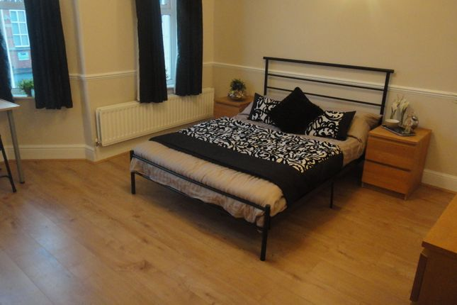 Thumbnail Room to rent in Craven Road, Rugby