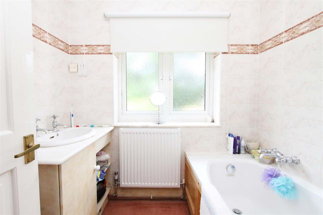 Bathroom of Ivy House Road, Ickenham UB10