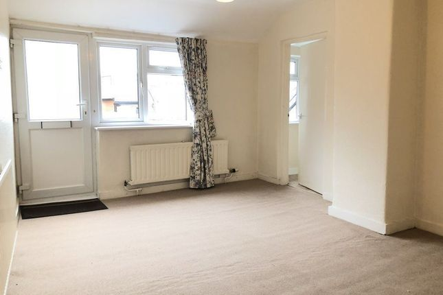 Thumbnail Flat to rent in Southbroom Road, Devizes