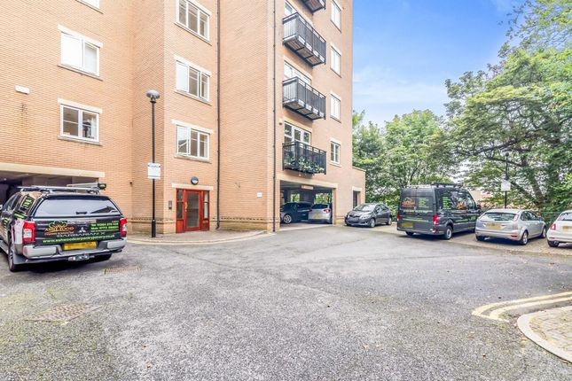 Thumbnail Flat for sale in Caversham Place, Sutton Coldfield