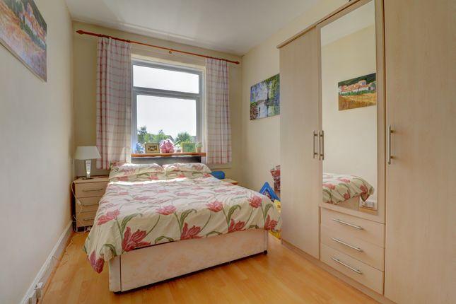 Bedroom 2 of Hazelrigg Avenue, Dumfries DG2