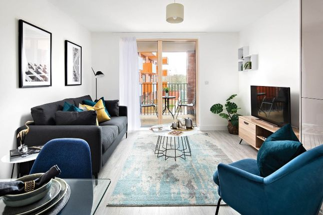 Flat for sale in Thames Reach, London