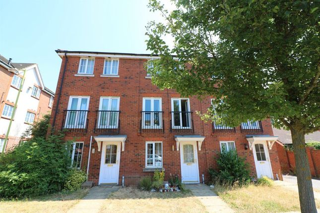 Thumbnail Town house to rent in Cunningham Avenue, Hatfield