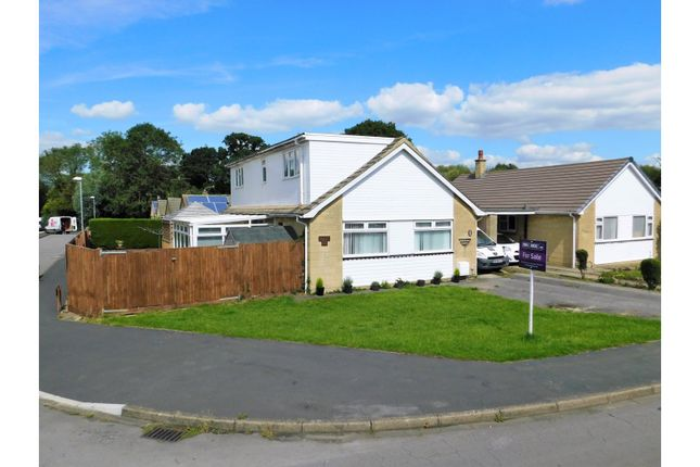 Thumbnail Detached bungalow to rent in Severn Avenue - Greenmeadow, Swindon